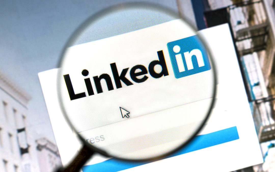 "Should You Use The Secret ""Let Recruiters Know You're Open"" Switch For Your LinkedIn Profile?"
